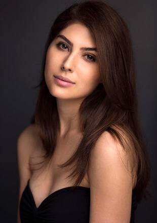 Elnaaz Norouzi Actress Black Top