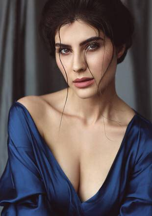 Elnaaz Norouzi Actress Blue Top Cleavage