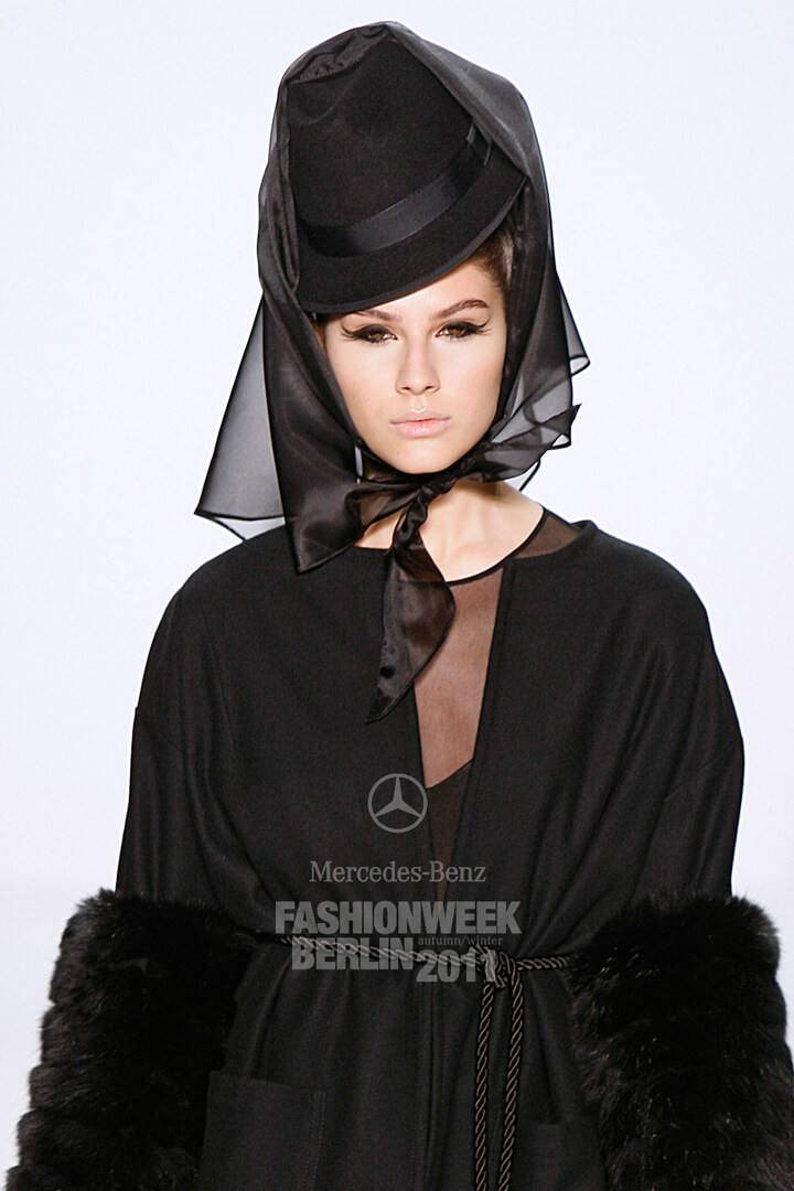 Elnaaz Norouzi Modelling 2011 Fashion Week Berlin