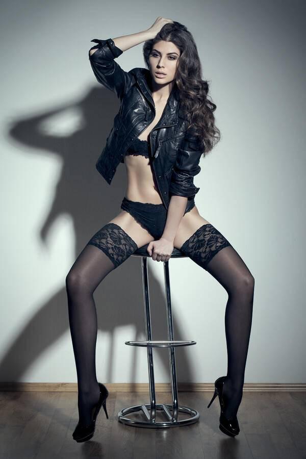 Elnaaz Norouzi Modelling Black Bra Black Panties