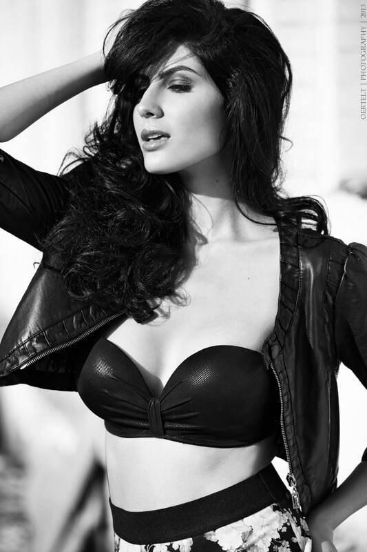 Elnaaz Norouzi Modelling Black Bra