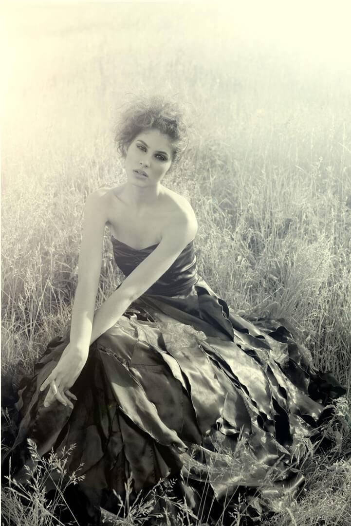 Elnaaz Norouzi Modelling Career