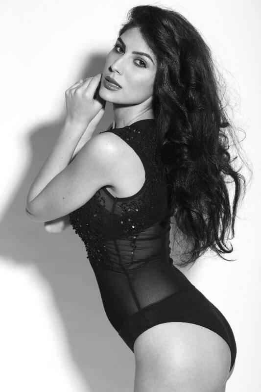 Elnaaz Norouzi Modelling Lingerie