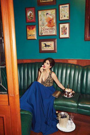 Elnaaz Norouzi Green Couch Photshoot Cake