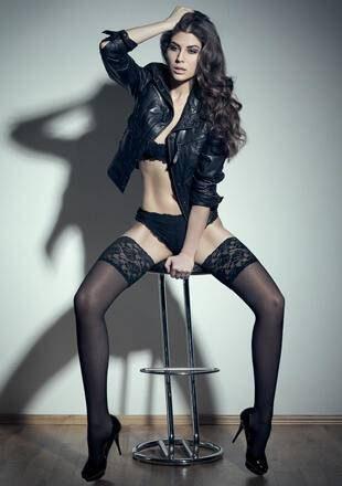 Elnaaz Norouzi Model Black Bra Black Panties