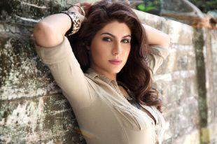 Elnaaz Norouzi Model Sexy Cream Top Sexy Photoshoot