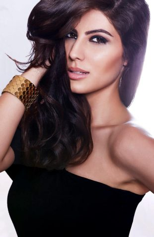 Elnaaz Norouzi Model Smiling Sexy Photo Black Top