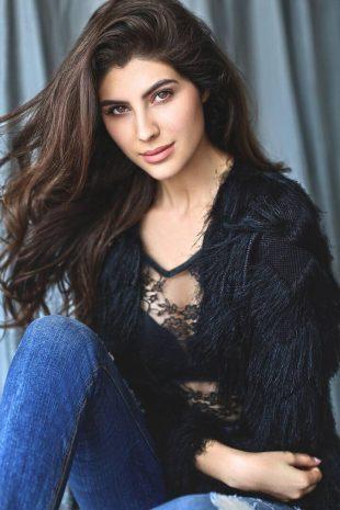 International Model Elnaaz Norouzi Actress Black Top Bra