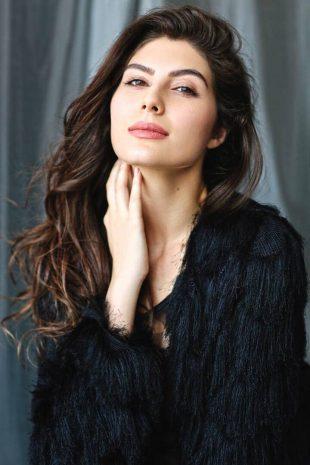 International Model Elnaaz Norouzi Actress