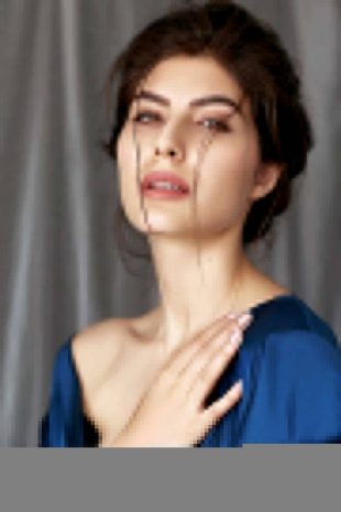 International Model Elnaaz Norouzi Blue Top